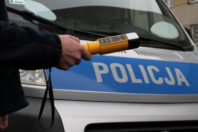 Mielec: Pijany i uciekał przed policjantami