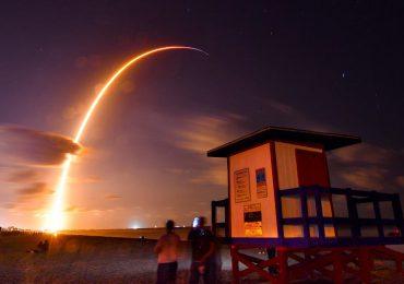 SpaceX rusza z internetem z kosmosu. Pierwsze 60 satelitów sieci Starlink wyniesionych na orbitę okołoziemską