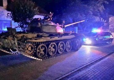 Jechał czołgiem przez miasto. Był kompletnie pijany