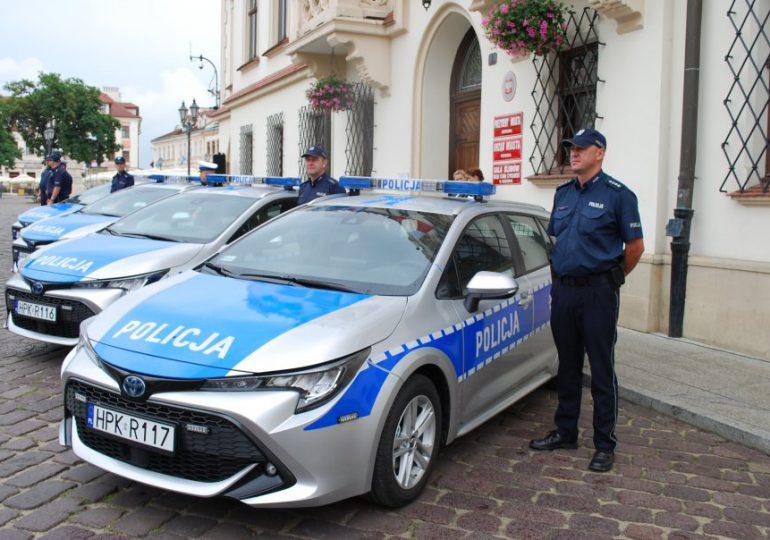Rzeszów: Policjanci otrzymali nowe radiowozy