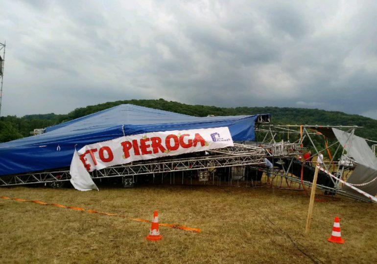 Przemyśl, Ostrów: Zawalił się dach sceny muzycznej. Trzy osoby w szpitalu