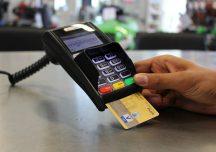 Jarosław: Znalazła cudzą kartę bankomatową i poszła na zakupy