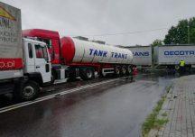 Nisko: Zderzenie dwóch samochodów ciężarowych