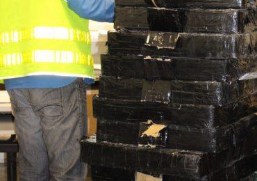 Tarnobrzeg: Nielegalne papierosy ukryte były w soli drogowej