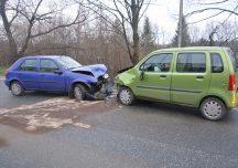 Krosno: Czołowe zderzenie samochodów