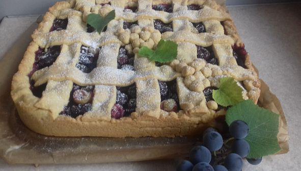 Kruchy placek z winogronami