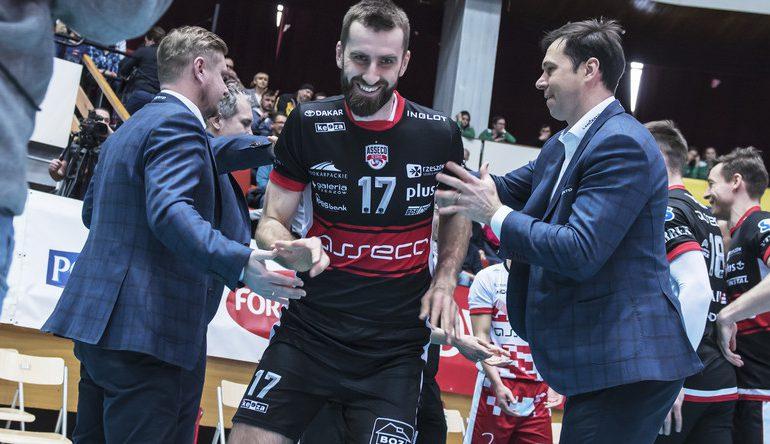 Marcin Możdżonek przegrał z kontuzją. Zawodnik rozwiązał kontrakt z Asseco Resovią za porozumieniem stron