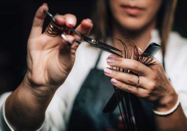Polska: Po 19 kwietnia do galerii, fryzjera i kosmetyczki?