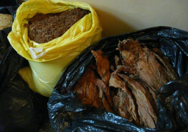 Nisko: Funkcjonariusze zabezpieczyli nielegalny tytoń [fotorelacja]