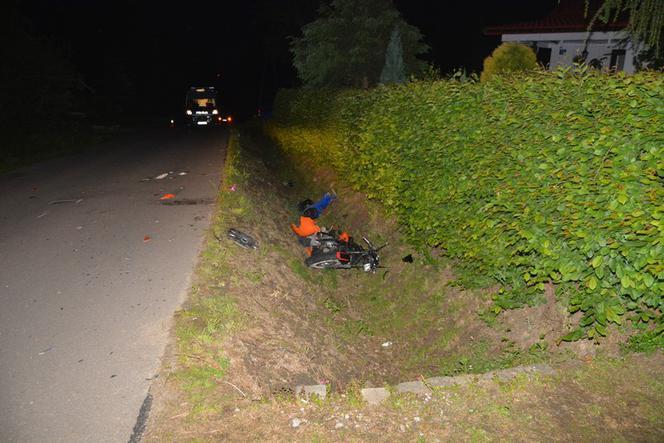 Krosno: 16-latek na motorowerze wjechał w samochód. Motocyklista nie miał uprawnień.