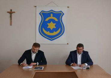 Przeworsk: Umowa na modernizację oświetlenia ulicznego w Kańczudze podpisana!
