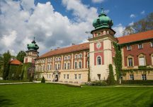 Łańcut: Zamek ponownie otwarty dla zwiedzających. Pełne otwarcie nastąpi dopiero 6 czerwca.