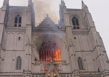 Polska i Świat: Pożar kolejnej zabytkowej katedry we Francji