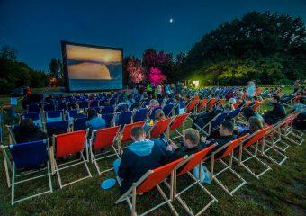Dębica: Ruszyło letnie kino plenerowe