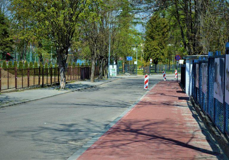 Jasło: Ścieżka rowerowa, a drzewa w mieście