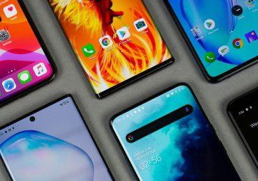 Technologie: Dlaczego smartfony stają się coraz większe?