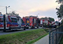 Jarosław: Kierowca skody zjechał z drogi po czym uderzył w przepust