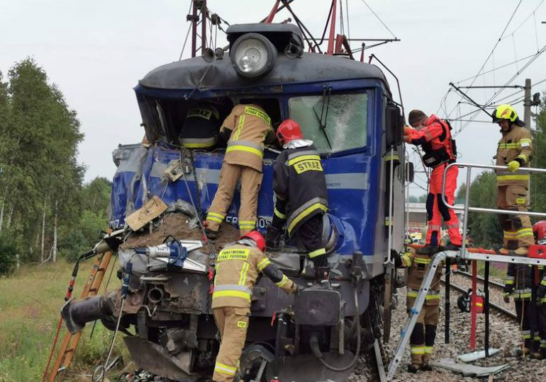 Nisko: Zderzenie lokomotywy z ciężarówką. Nie żyje jedna osoba.