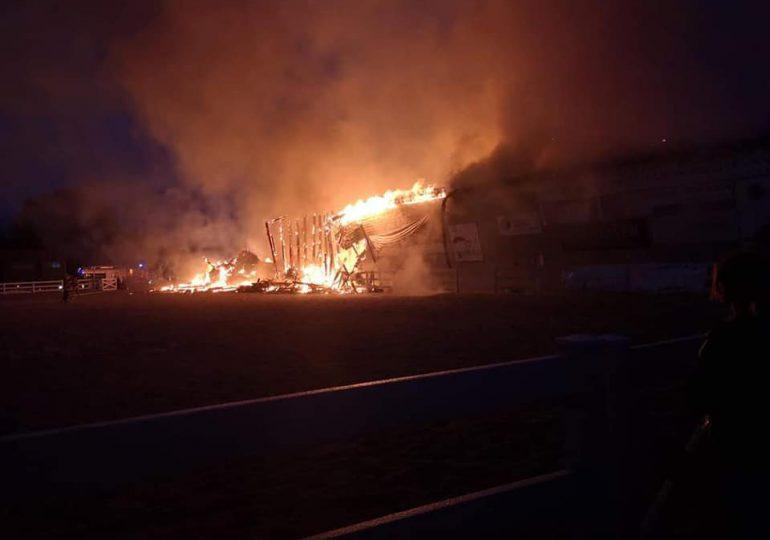 Leżajsk: Pożar w stadninie koni w Wierzawicach