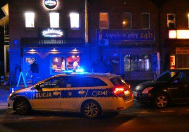 Dębica: Napad na sklep monopolowy. Sprawca uderzył sprzedawczynię butelką w głowę.