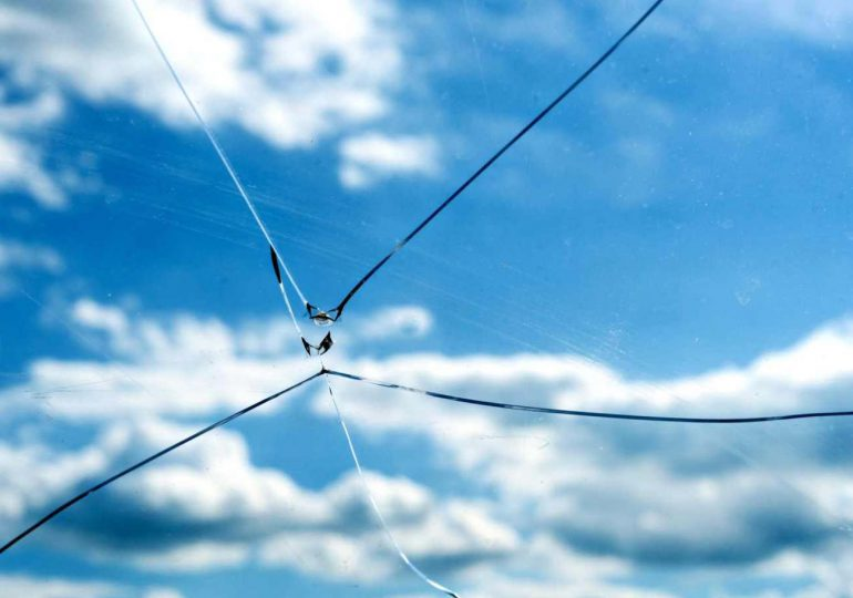 Łańcut: Tragiczny wypadek w Białobrzegach. Mężczyznę zabiła szyba.