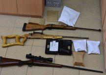 Polska: Rzeszowscy policjanci rozbili grupę handlującą bronią bez pozwoleń