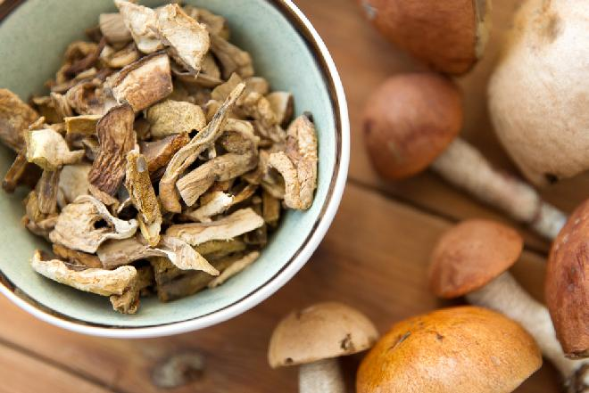 Porady: 3 sposoby na suszenie grzybów w domu