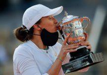 Sport: Historyczny sukces Polki. Iga Świątek wygrała French Open