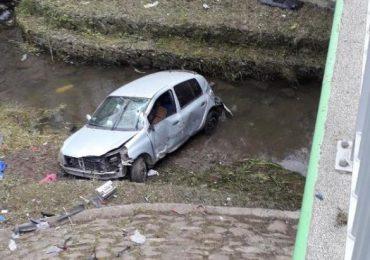 Sanok: Pijany kierowca wjechał do rzeki