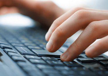 Technologie: Pisanie ręczne czy na klawiaturze. Co jest dla nas lepsze ?