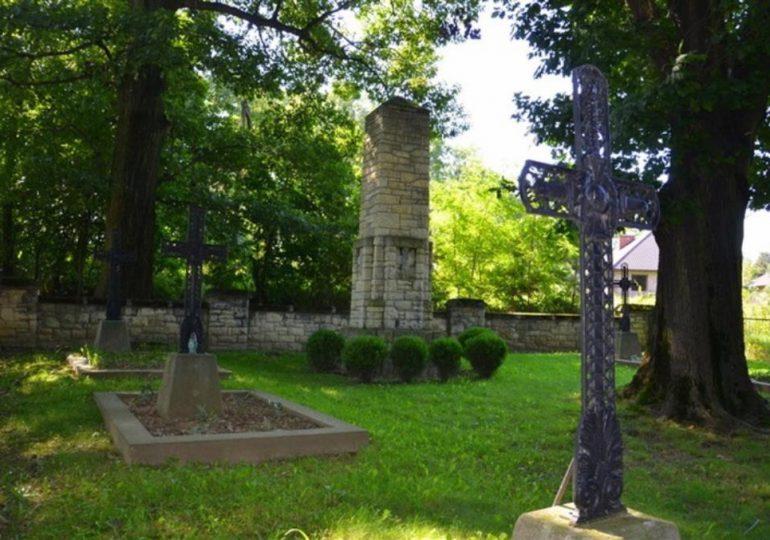 Dębica: Wędrówka po cmentarzach I wojny światowej w gminie Pilzno
