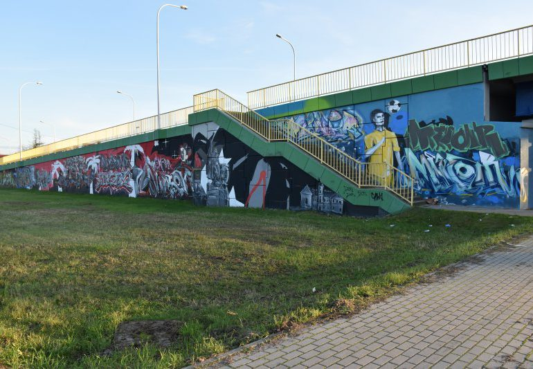 Tarnobrzeg: Graffiti na wiadukcie