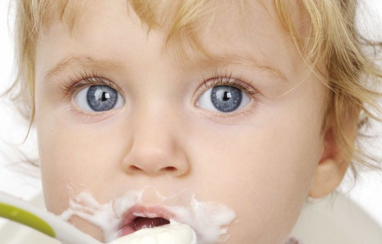 Polska: GIS wycofuje ze sprzedaży kaszkę dla niemowląt