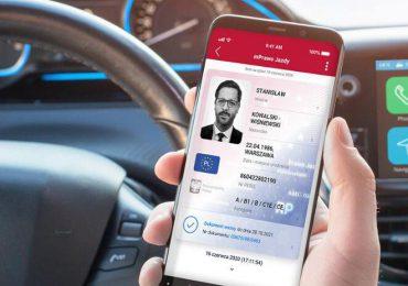 Polska: Od 5 grudnia kierowcy bez plastikowego prawa jazdy. Wystarczy aplikacja w smartfonie