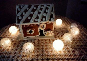 Dziecko: Świąteczne inspiracje - jak wykonać chatkę z piernika?