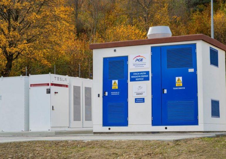 Sanok: PGE uruchamia pierwszy w Polsce magazyn energii elektrycznej z wykorzystaniem modułów Powerpack Tesla