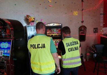 Jarosław: Policjanci znów zajęli automaty do gier