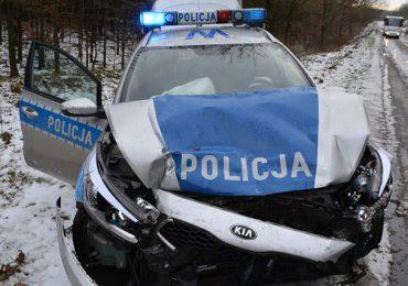 Tarnobrzeg: Pijany kierowca wjechał w radiowóz.