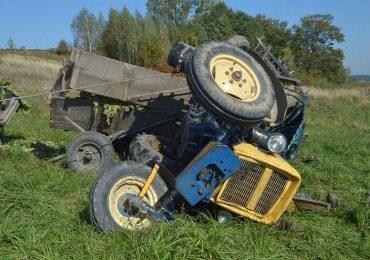 Dębica: Śmierć rolnika - przygniótł go ciągnik