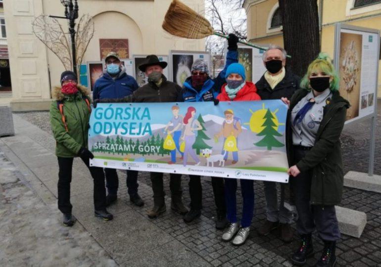 """Polska: Ruszyła """"Górska Odyseja"""". Ekolog i podróżnik pokona 700 km zbierając śmieci"""