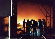 Przemyśl: Pożar hali w zakładzie przetwarzania odpadów komunalnych