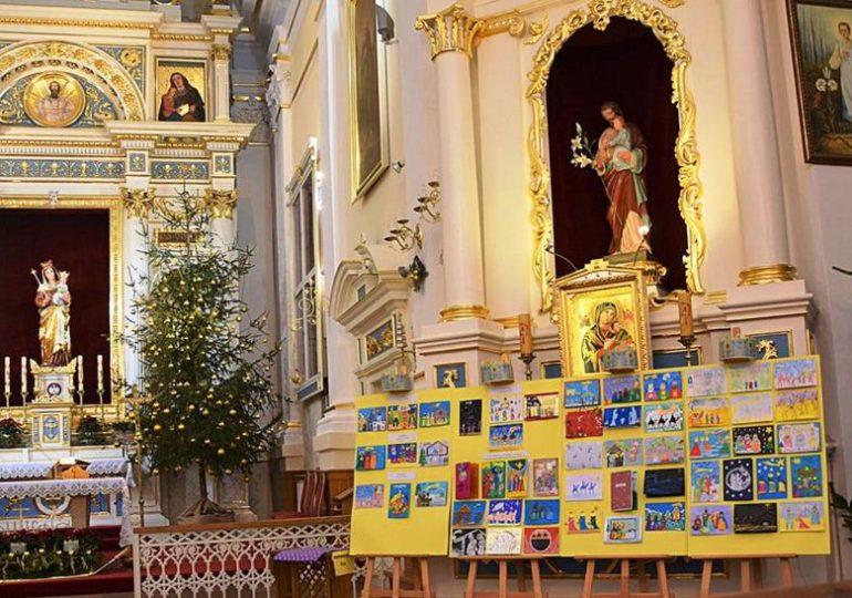 Ropczyce: Wystawa kartek świątecznych