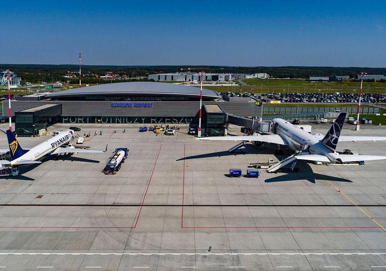 Rzeszów: Lotnisko w Jasionce otrzyma od rządu 53 mln zł na rozwój.