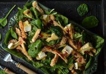 Kulinaria: Sałatka z kurczakiem w sezamie i serem camembert
