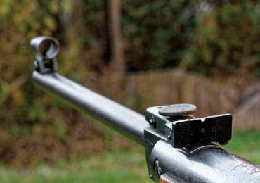 Łańcut: Strzelał do sąsiadów z wiatrówki. Do akcji wkroczyli antyterroryści.