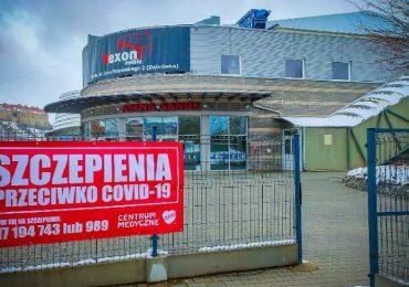Sanok: Sanoczanie mogą się szczepić! Punkt Szczepień Powszechnych w hali Arena