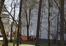 Stalowa Wola: 16-latek groził skokiem z czwartego piętra bloku.