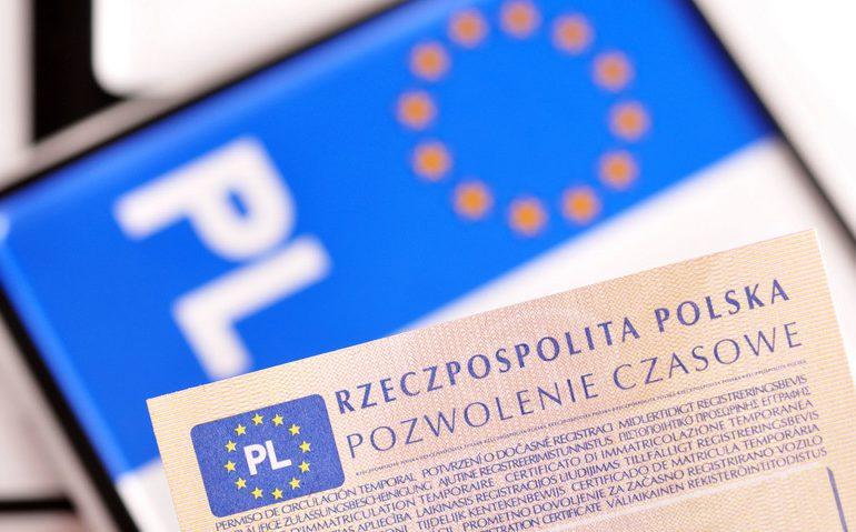 Polska: Przypominamy - na zgłoszenie kupna, sprzedaży i rejestrację auta mamy 60 dni