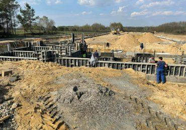 Ropczyce: W Sędziszowie Młp. ruszyła budowa zakładu przy węźle autostradowym.