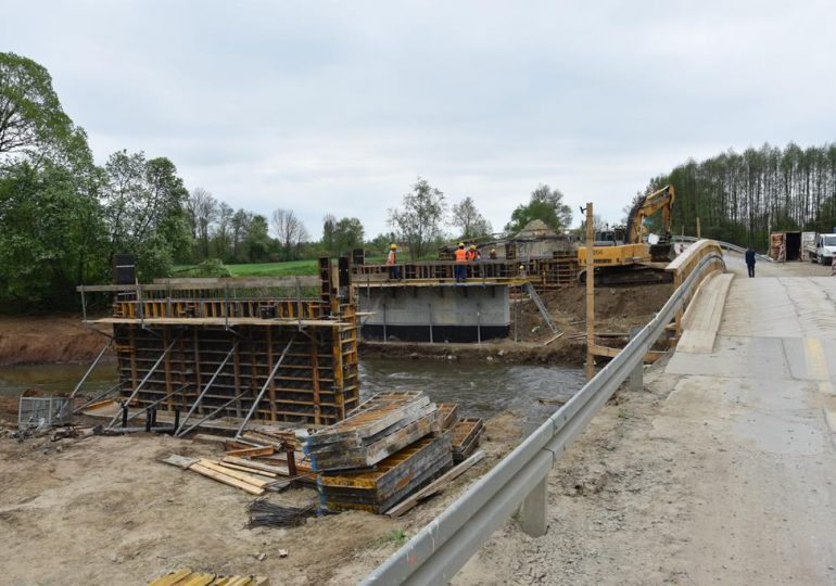 Lubaczów: Ruszyła przebudowa mostu na rzece Szkło